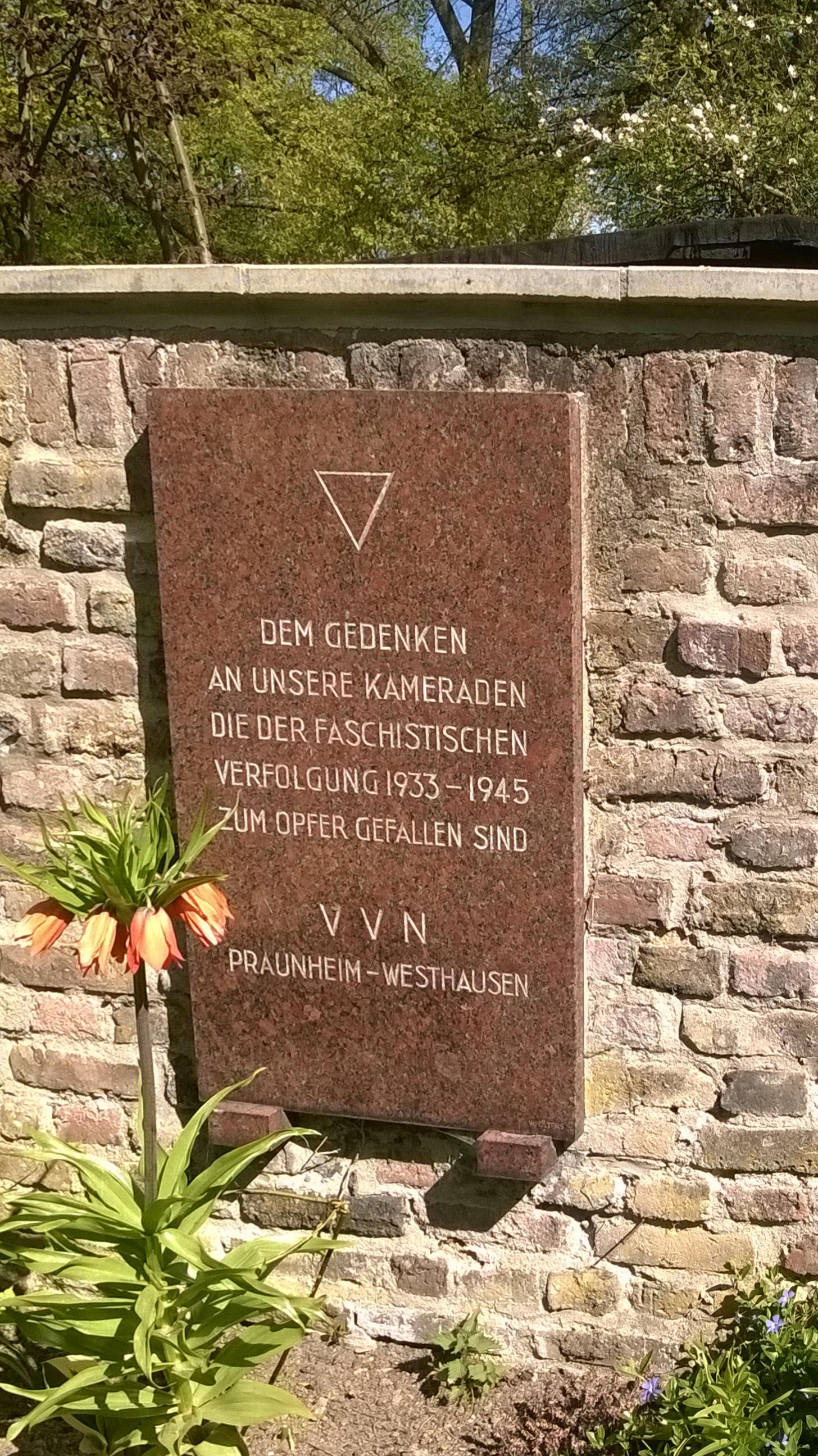 VVN-Gedenkstein_Friedhof_Praunheim (2)